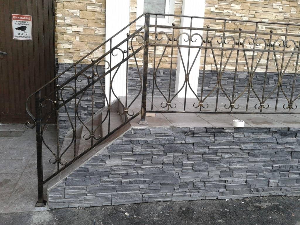 Сварные перила для лестниц